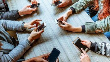 """A invasão das Redes Sociais Virtuais em nossas vidas - Uma reflexão sobre o filme """"O Dilema das Redes"""", baseada na Terapia de Aceitação e Compromisso. 23"""